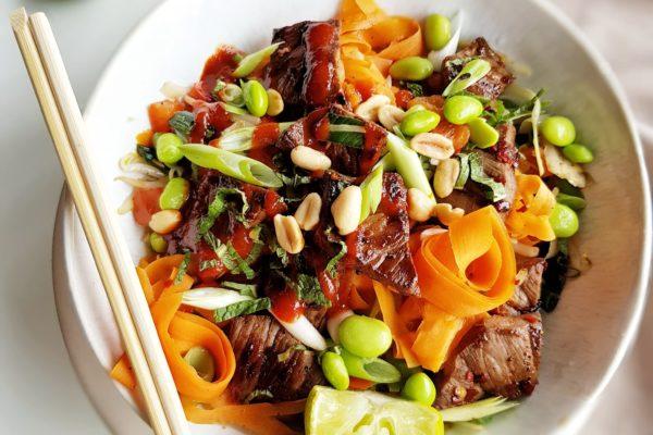 Pad thai met beefsteak en pinda's