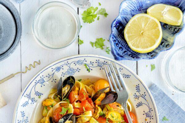 Tagliatelle met mosseltjes en tomatensaus